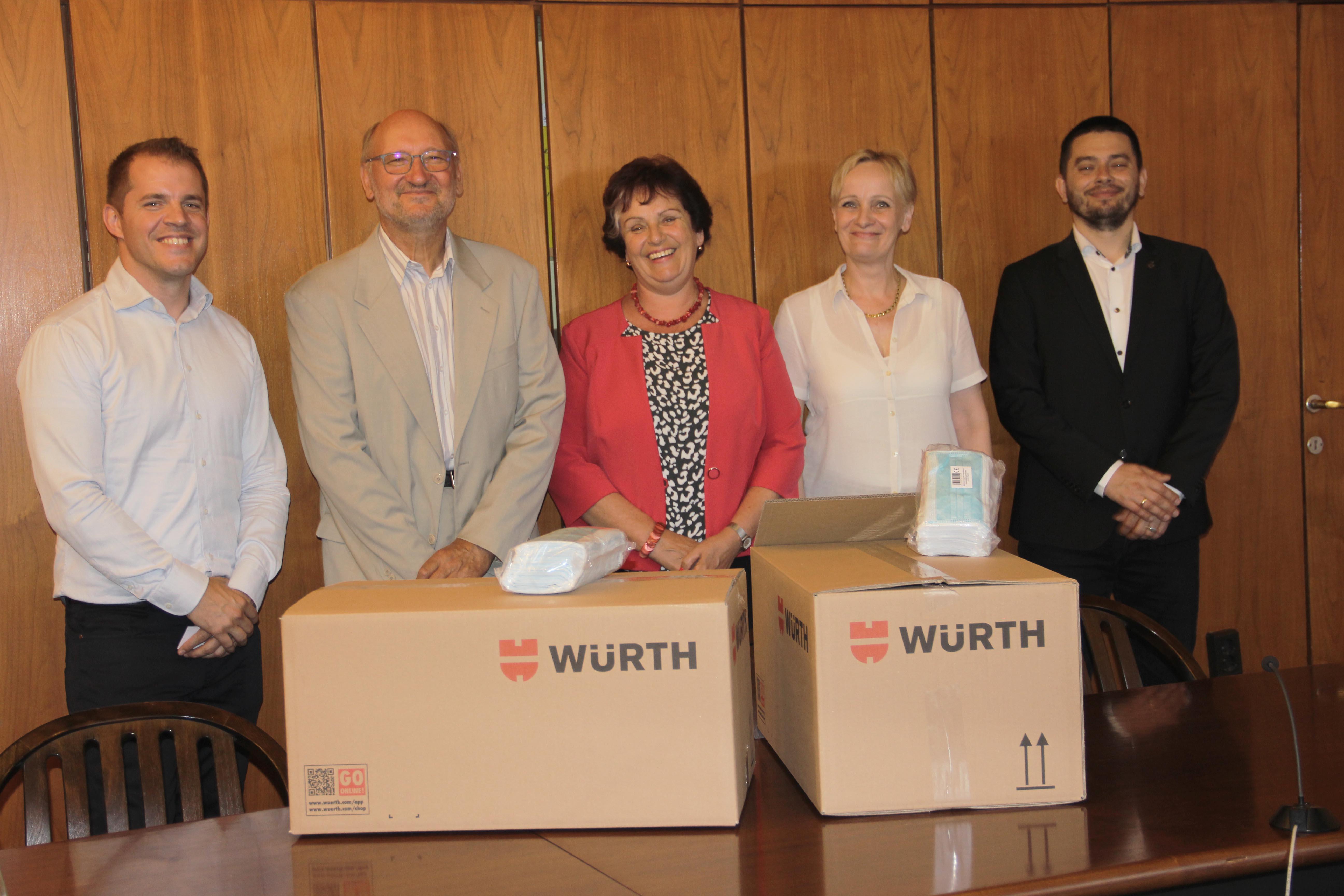 Alapítványi maszkadomány - Szombathelyre került az első 2500 darabos csomag
